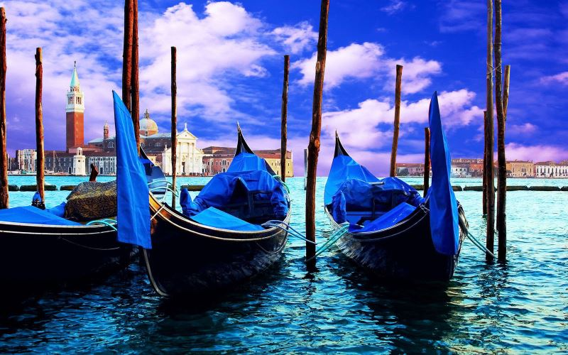 Venedig_Kulisse Gondeln2_pp